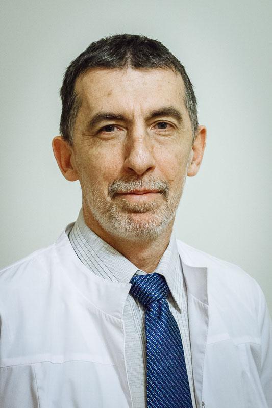 Проректор по лечебной работе, к.м.н.  Петренко Юрий Валентинович